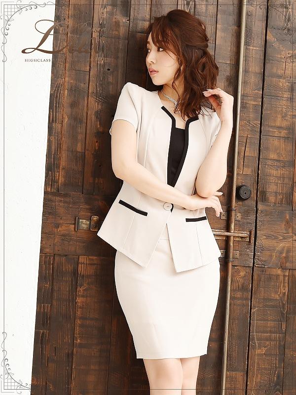 画像1: 【BelsiaLux】清楚Lady!美顔ノーカラーキャバスーツ 半袖スーツ/スーツ フォーマルokベージュスーツ【ベルシアリュクス】(S/M/L/XL)(ベージュ) (1)