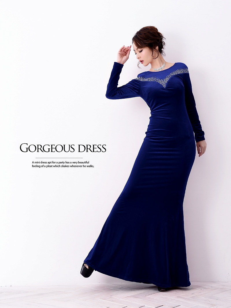36c948dfd9059 ... 級の存在感を放つゴージャスな長袖ロングドレス。 ☆ベロア素材が高級感を演出する袖付きドレスはタイトラインから広がるマーメイドドレス で360度sexyスタイル。